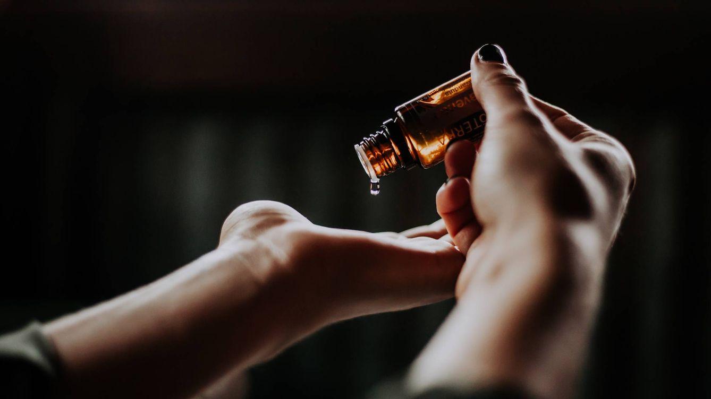 Aceite de neem, la cura natural contra el acné, la deshidratación y ¡los piojos!