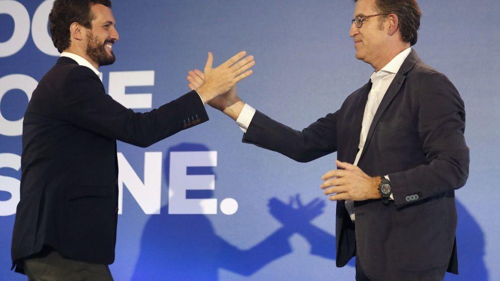 Foto: El presidente del Partido Popular, Pablo Casado, junto al presidente de la Xunta, Alberto Núñez Feijóo. (EFE)