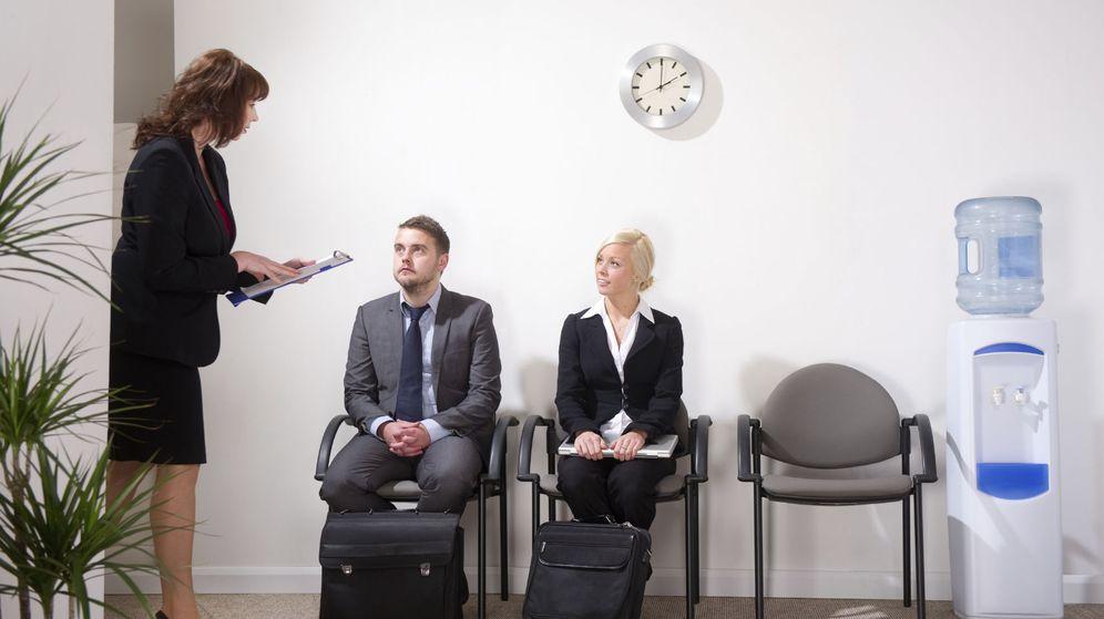 Foto: Además de ser capaz de responder cuando te llamen, trata de no quedarte en blanco si te hacen estas preguntas. (iStock)