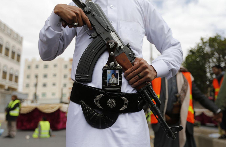 terrorismo islamista por qu el ak 47 es el fusil m s usado por terroristas en todo el mundo. Black Bedroom Furniture Sets. Home Design Ideas