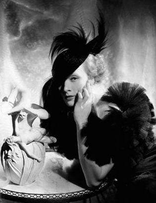 Foto: Zoe Valdés rinde tributo a Marlene Dietrich
