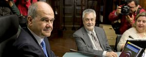 Chaves se lleva a Madrid a su núcleo duro en la Junta de Andalucía
