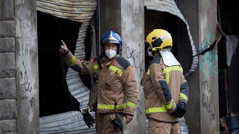 Un muerto y dos intoxicados por humo en el incendio de un chalé en Busot (Alicante)