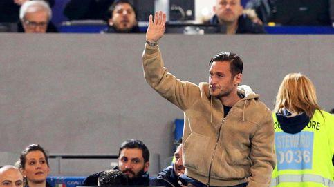 El feo final de la carrera de Totti: de leyenda local a quedarse en la grada