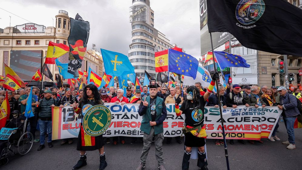 Foto: Manifestación de Jusapol por la equiparación salarial en Madrid el pasado octubre. (EFE)