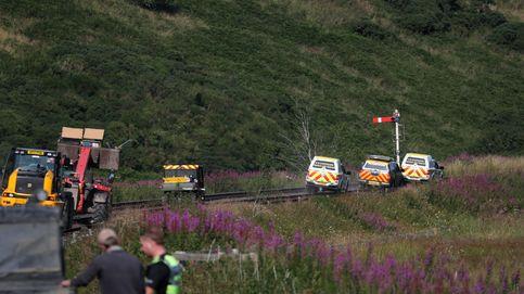 Descarrila un tren de pasajeros en Escocia en un incidente extremadamente grave