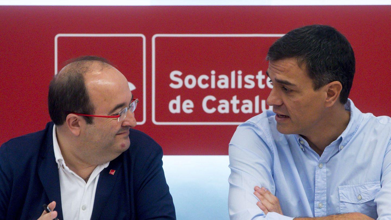 El secretario general del PSOE, Pedro Sánchez, y el primer secretario del PSC, Miquel Iceta. (EFE)