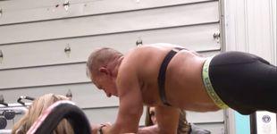 Post de Un ex marine de 62 años, récord Guinness de plancha abdominal