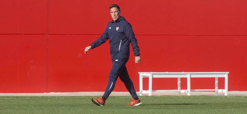 Foto: El Toto Berizzo, durante un entrenamiento del Sevilla. (EFE)