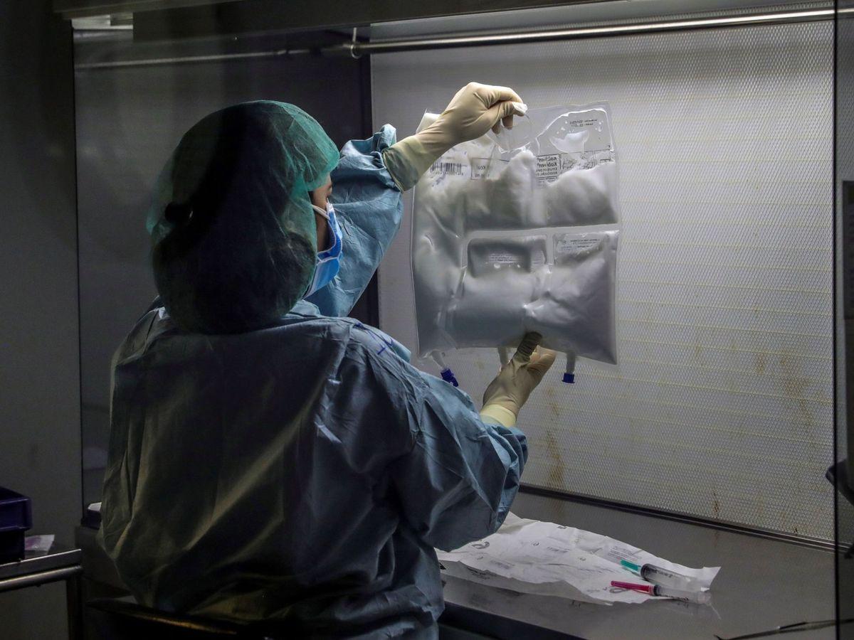 Foto: Personal sanitario en el Hospital Universitario Puerta de Hierro de Majadahonda (Madrid). (EFE)