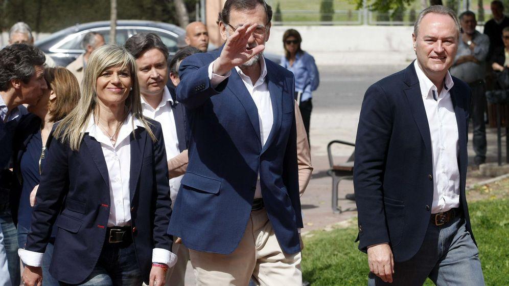 Foto: La candidata al ayuntamiento de Alicante, Asunción Sánchez Zaplana, Mariano Rajoy y Alberto Fabra. (Efe)