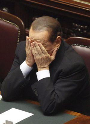 Un Berlusconi contra las cuerdas afronta el veredicto del Parlamento italiano y los mercados