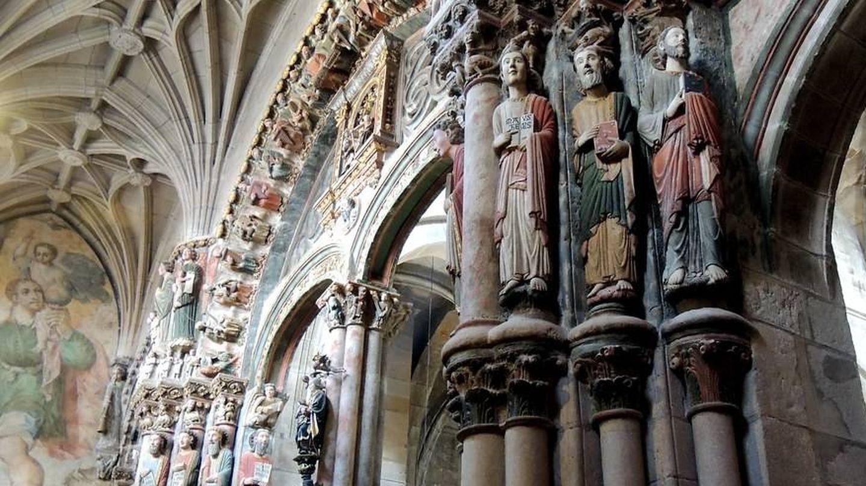 El Pórtico del Paraíso es uno de los grandes desconocidos de la catedral de Ourense.