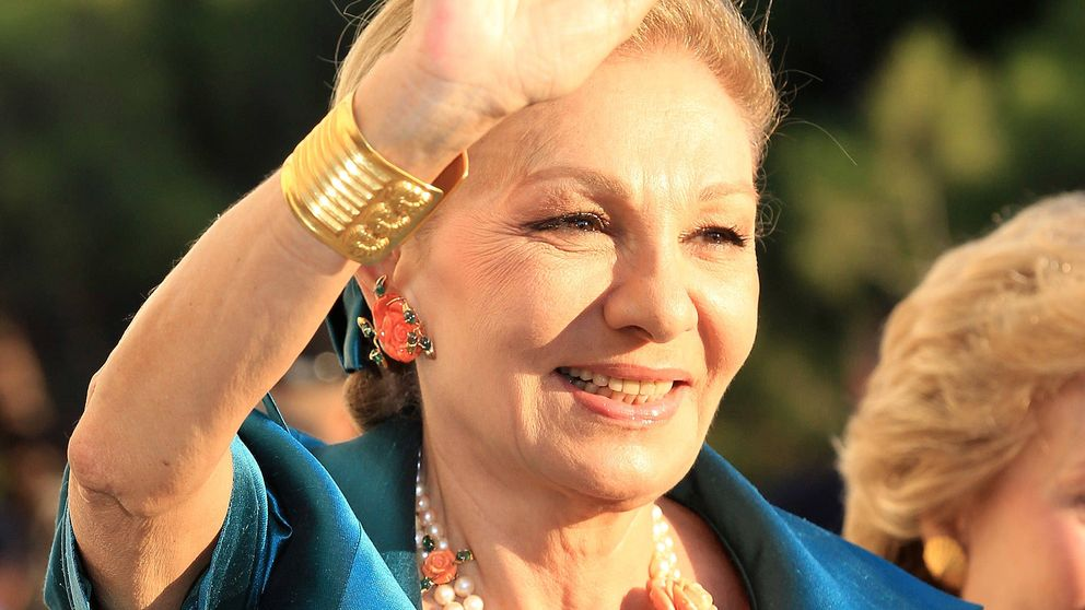 La desgracia vuelve a cebarse con Farah Diba, la emperatriz errante