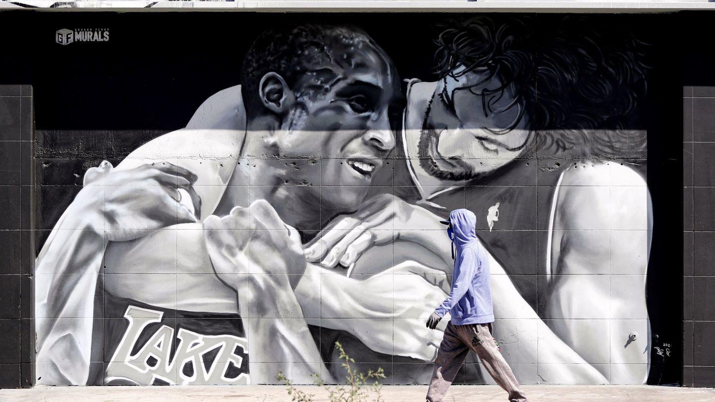 El mural de Paul Gasol y Kobe Bryant en Los Ángeles. (EFE)