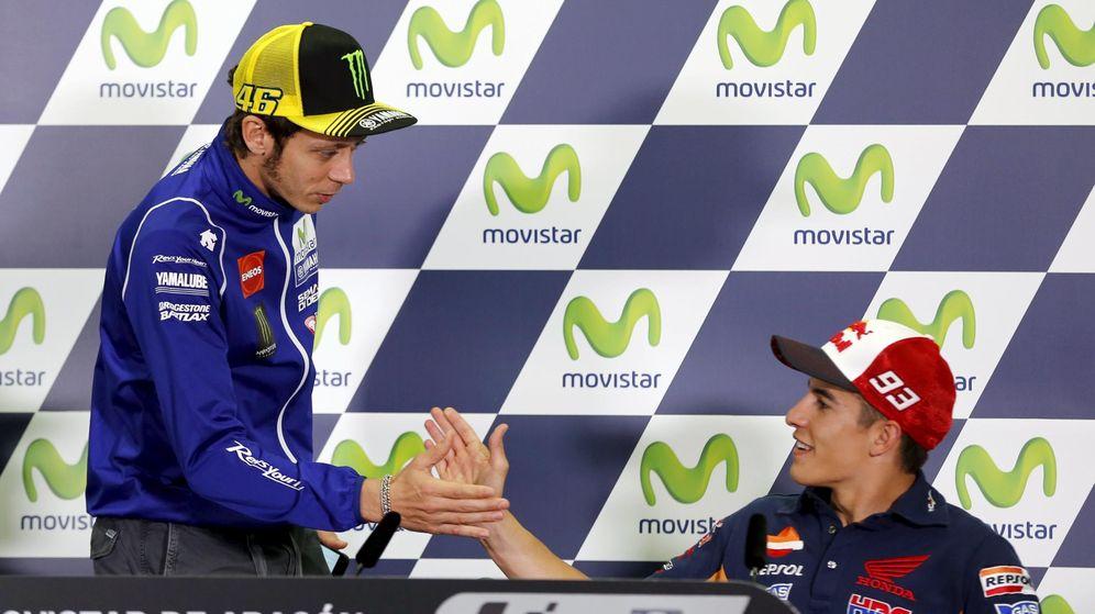 Foto: Valentino Rossi y Marc Márquez en Motorland (Reuters).