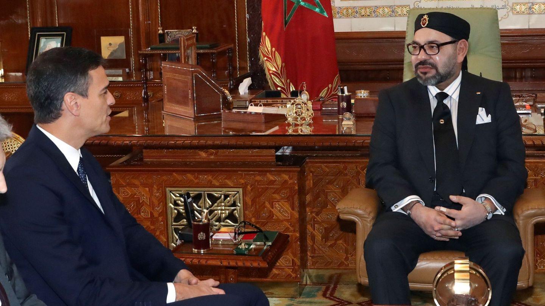 El presidente del Gobierno español, Pedro Sánchez (i), y Mohamed VI. (EFE)