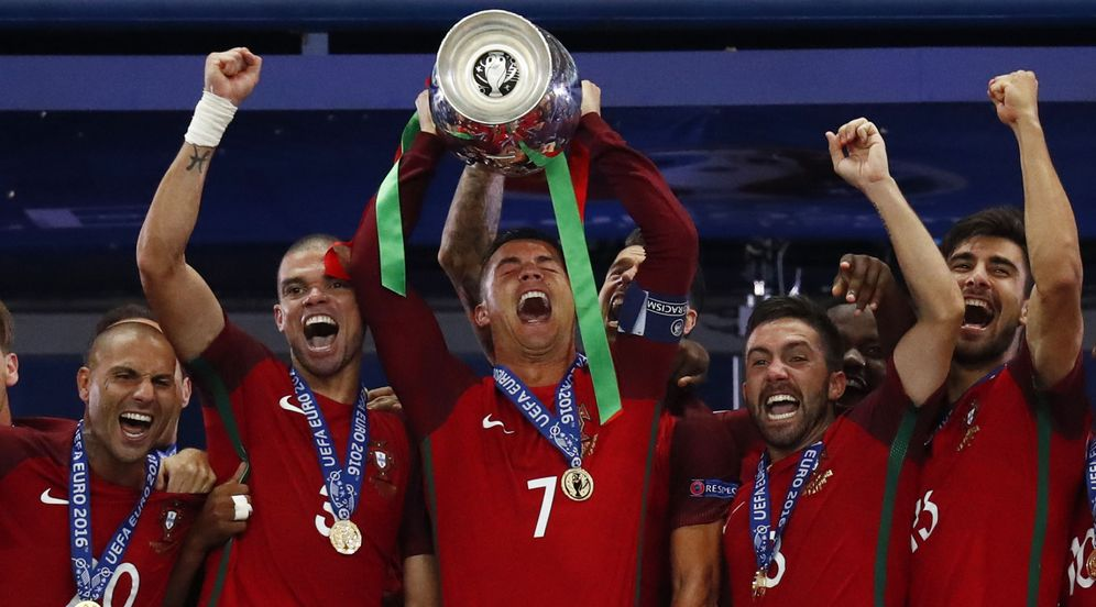 Foto: Portugal ganó contra pronóstico la Eurocopa de Francia. (Reuters)