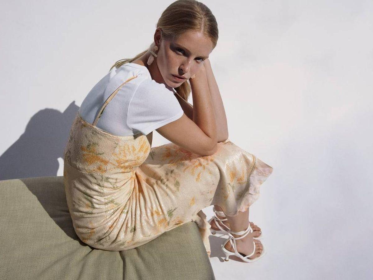 Foto: Vestido de invitada de Zara de edición limitada. (Cortesía)