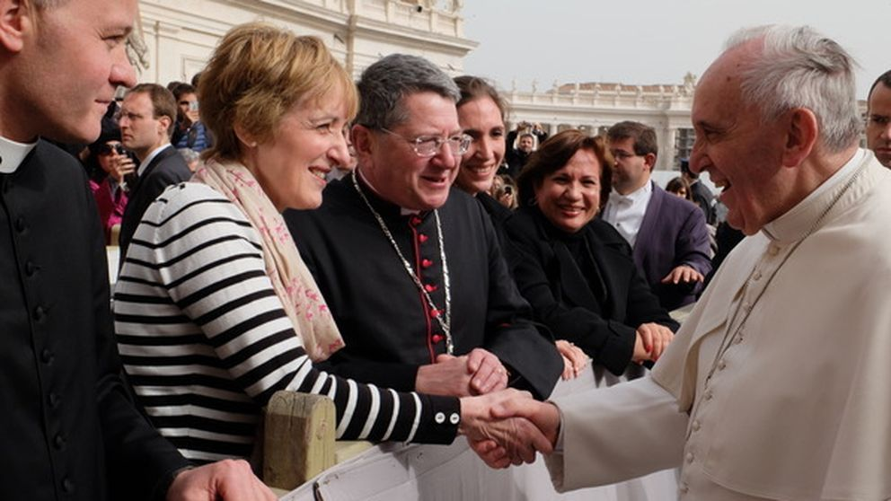 Las mujeres no pueden ser obispos: anglicanos se pasan al catolicismo