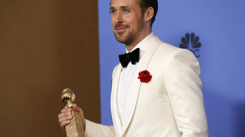 Foto: Ryan Gosling con su premio (Reuters)