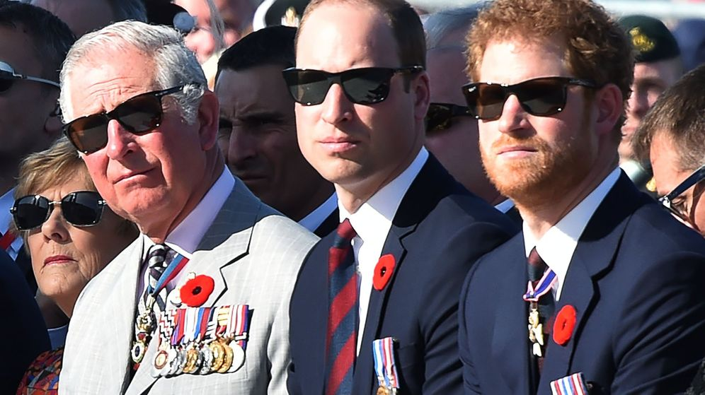 Foto: El príncipe Carlos, el príncipe Guillermo y el príncipe Harry, en una imagen de archivo. (EFE)