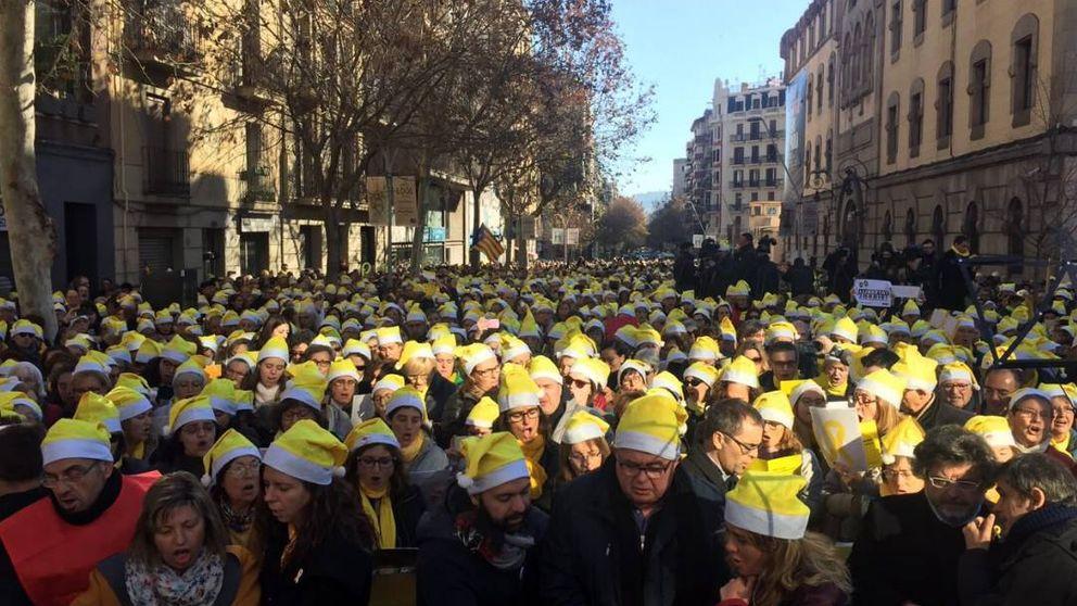 Villancicos frente a la cárcel para exigir la libertad de 'los Jordis', Junqueras y Forn