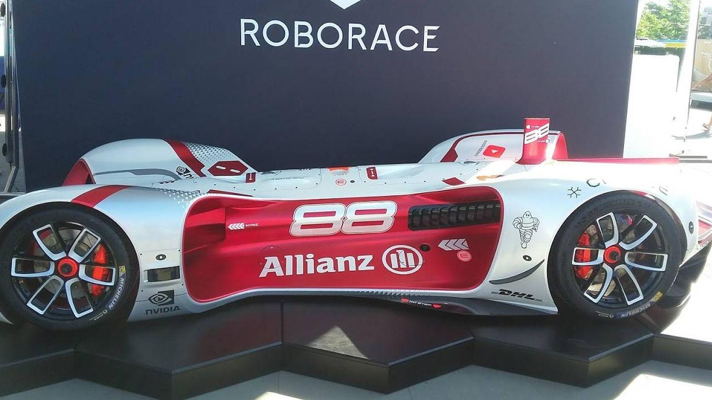 Un coche de carreras totalmente autónomo (Bcschneider53/CC)
