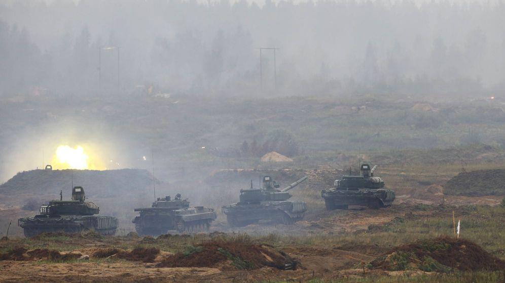 Foto: Tanques y vehículos armados toman parte en los ejercicios Zapad 2017 cerca de Borisov, Bielorrusia, el 20 de septiembre de 2017. (Reuters)