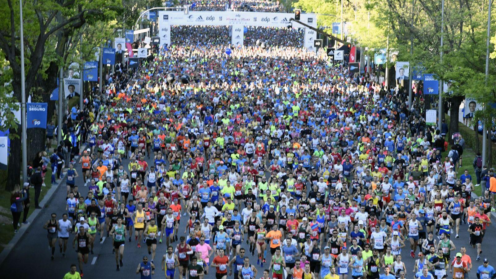 Foto: Vista general de la salida de la maratón de Madrid de este sábado. (EFE)