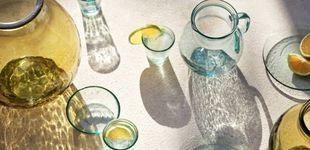 Post de H&M renueva la decoración de nuestra mesa con estos vasos de vidrio reciclado