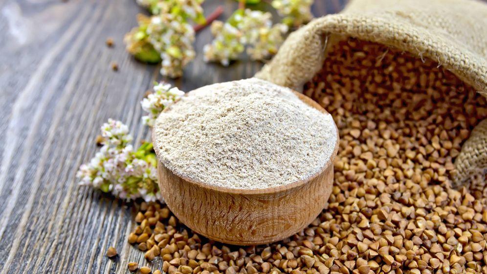 Foto: Alforfón y harina de trigo sarraceno. (iStock)