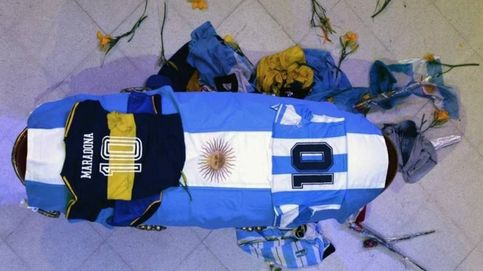 Cargas policiales, avalanchas y gas lacrimógeno en el adiós de Maradona