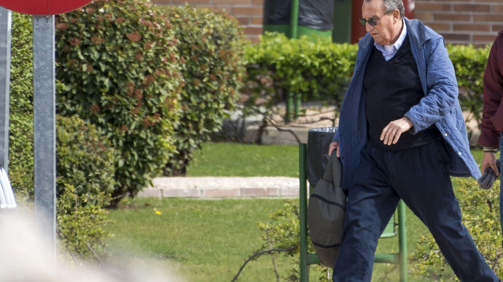 Foto: Carlos Fabra, el día que salió de la prisión de Aranjuez en aplicación del tercer grado. (EFE)