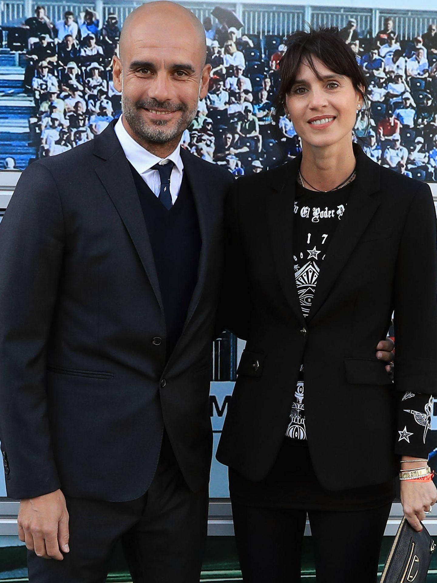 Pep Guardiola y su esposa, Cristina Serra.  (Getty)