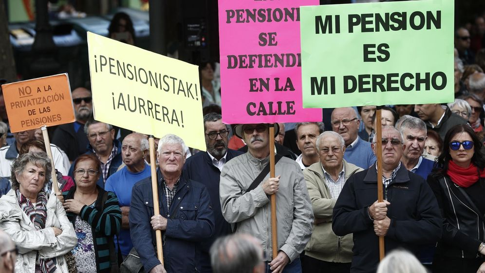 Foto: Protesta de jubilados y pensionistas en Pamplona. (EFE)