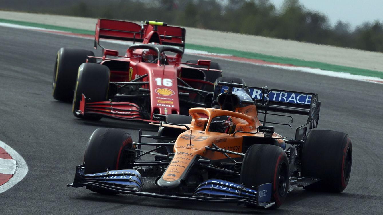 El inesperado sorpaso final de Ferrari que Carlos Sainz debe frenar con McLaren