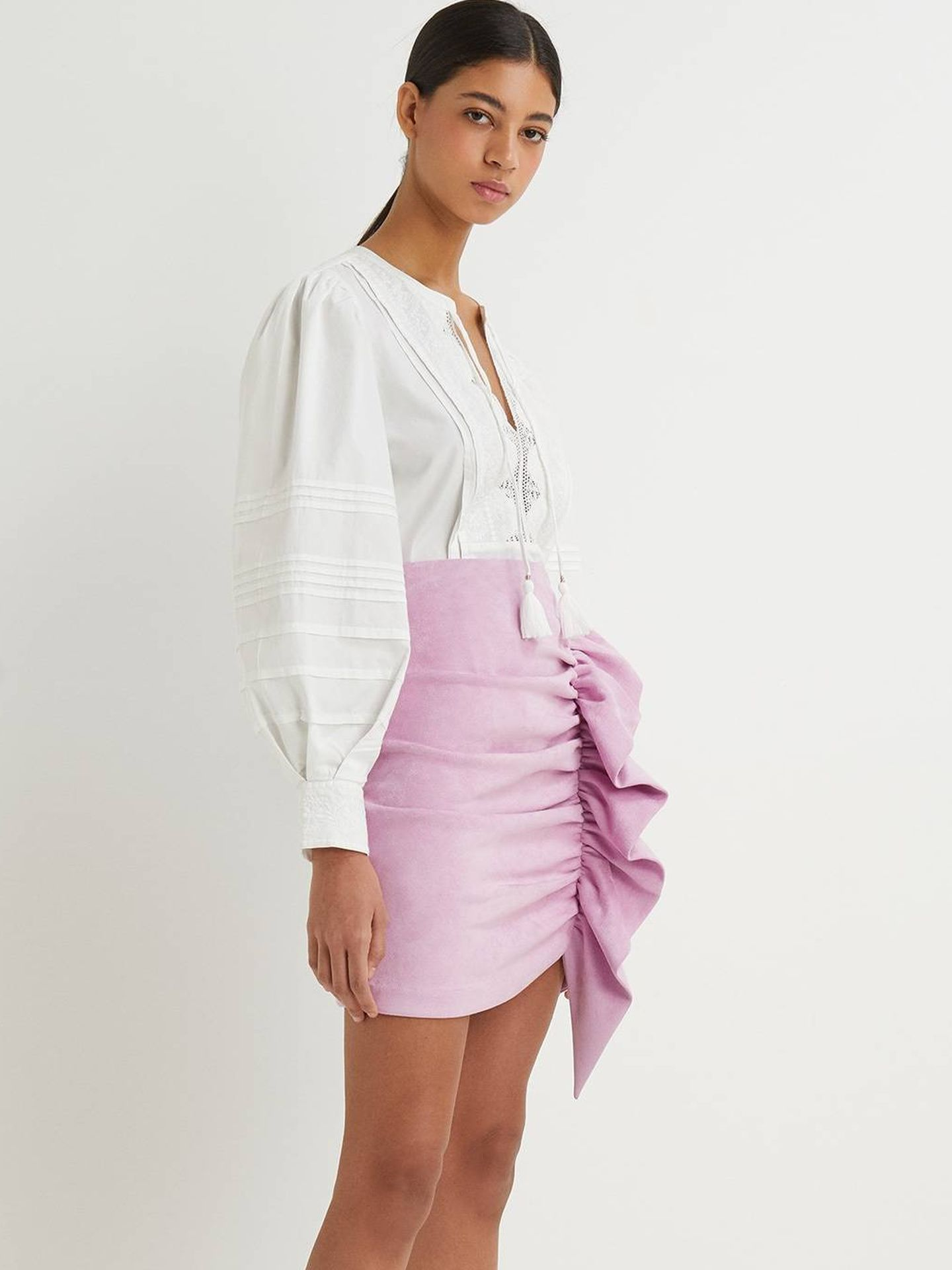 Falda de antelina de Sfera. (Cortesía)
