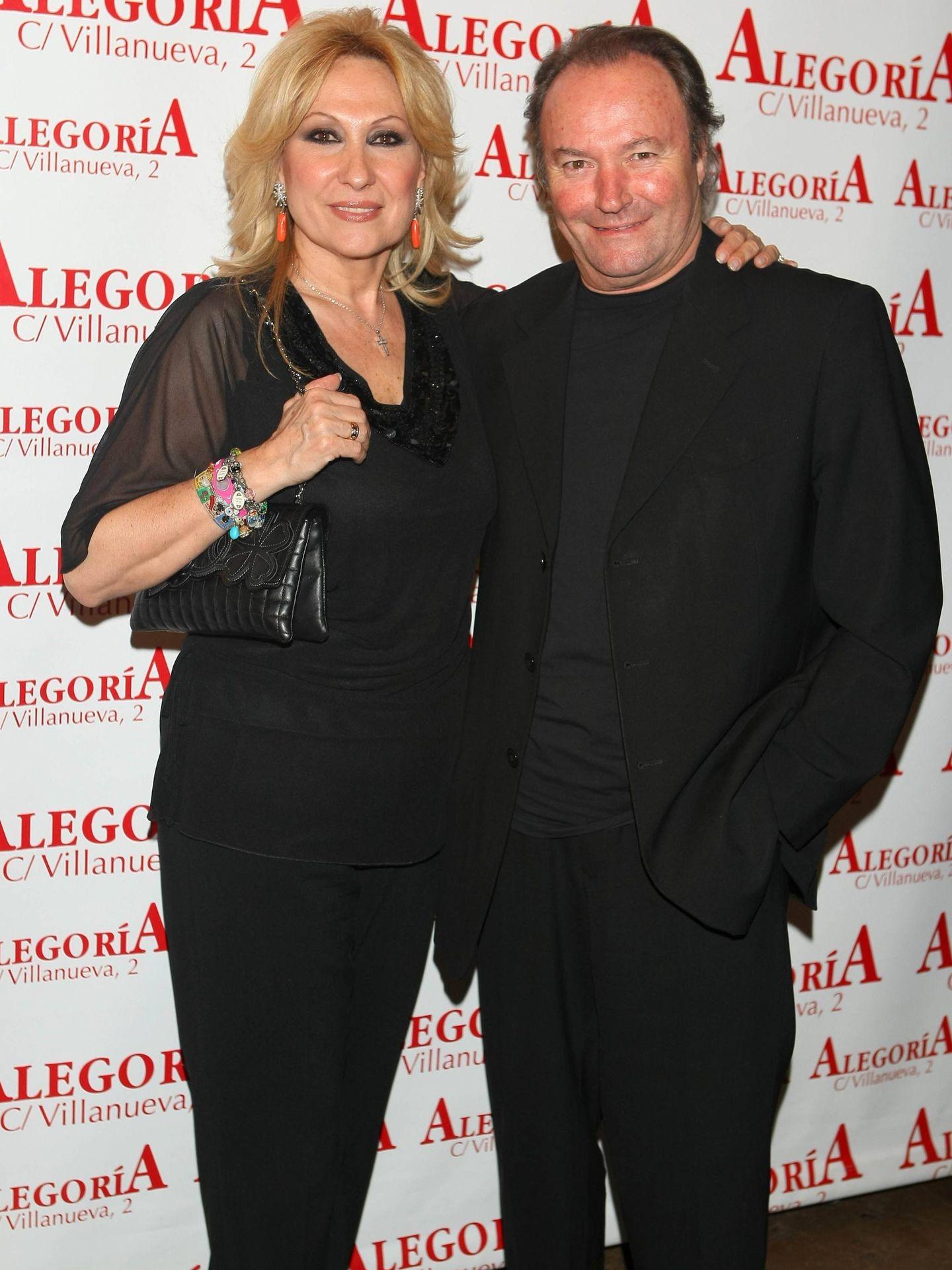 Amador con su ex, Rosa Benito. (CP)