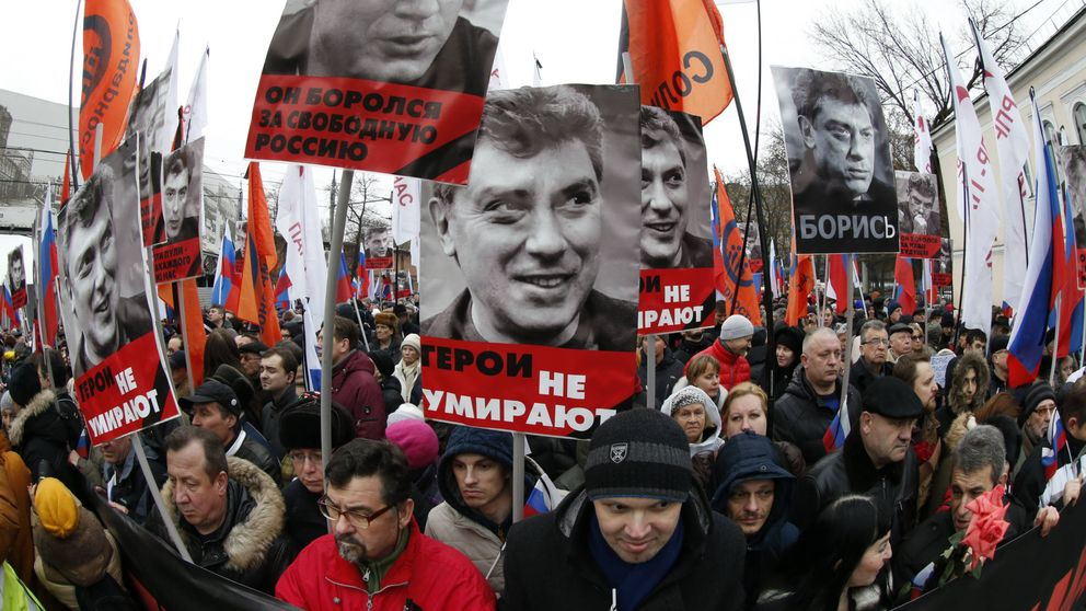 Antiséptico, excrementos y escándalos: las armas contra la nueva oposición rusa