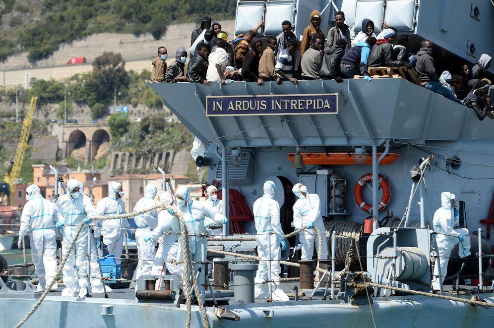 Foto: Cerca de 545 inmigrantes llegando a las costas italianas (EFE)