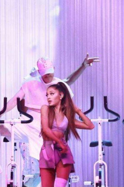 Ariana durante el concierto de Amsterdam hace apenas una semana. (Redes)