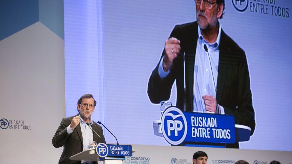 Rajoy apremia a ETA para que se desarme y que de paso se disuelva