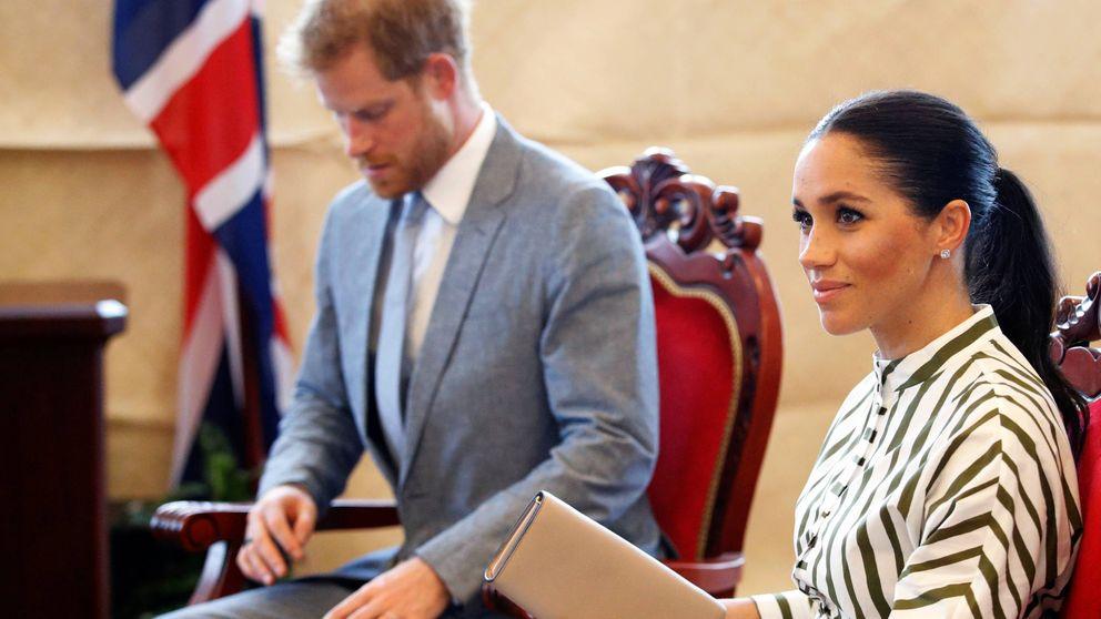 Meghan Markle en Tonga: un peinado llamativo y un pequeño susto en avión