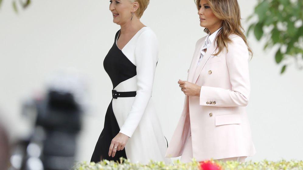 Foto: Melania Trump junto a la primera dama polaca. (EFE)