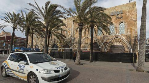 Intenta robar a varias personas en Palma utilizando un martillo y un hacha