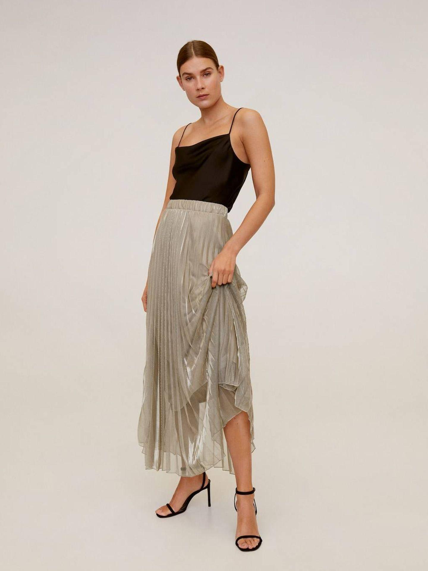 La falda de Mango Outlet. (Cortesía)