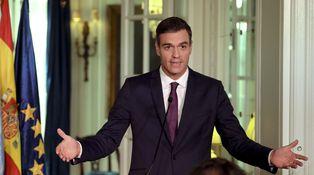 El PSOE que se cae a pedazos, la lucha por el poder y las distracciones varias