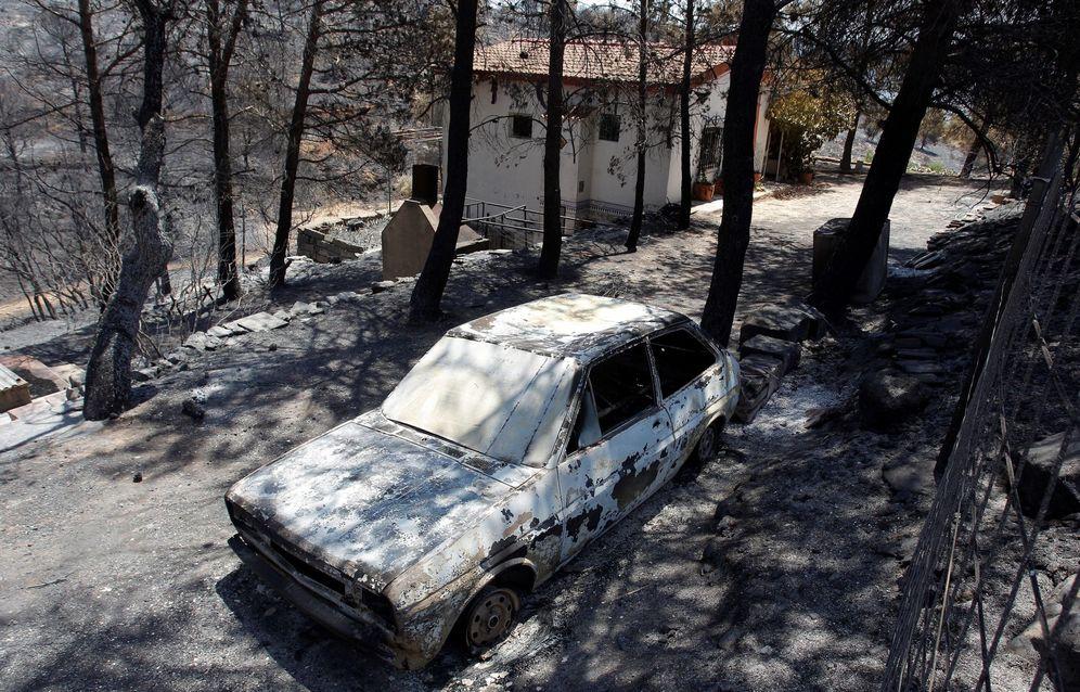 Foto: El incendio forestal en Beneixama (Alicante). (EFE)