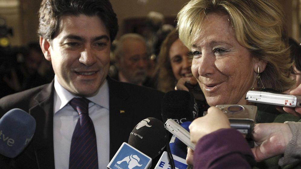 Foto: David Pérez, con Esperanza Aguirre.